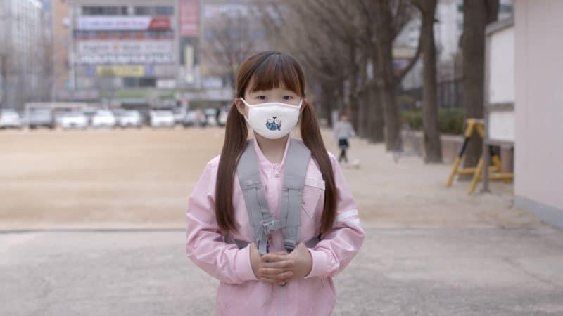 Peekaboo Mask ใช้ความน่ารักเข้าสู้ฝุ่น PM 2.5