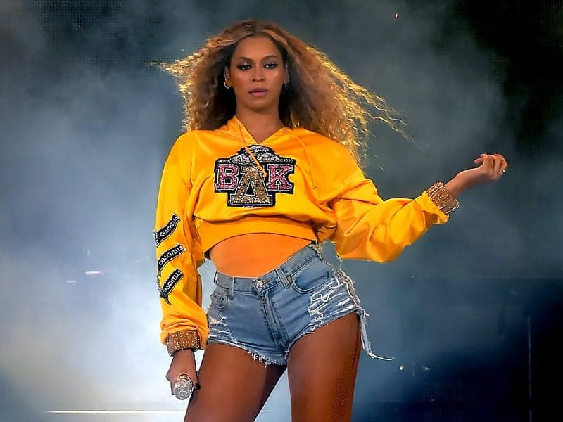 6 Key Social Media Trend 2020 Think Forward 2020 We Are Social Beyonce