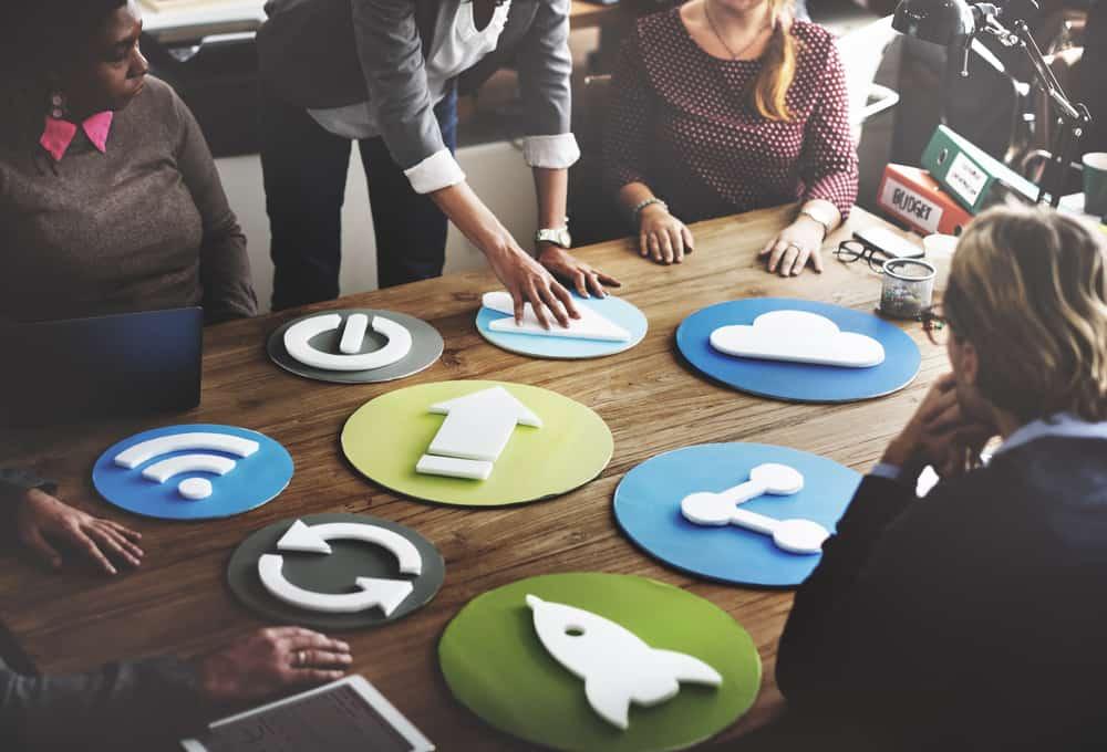 4 Re-Strategy แนวทางการปรับตัวของธุรกิจใหญ่ที่เรียนรู้จากธุรกิจใหม่