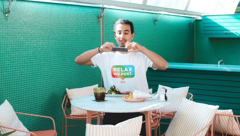 Ibis Hotel จัดบริการใหม่ Relax We Post ถ่ายรูปให้นักท่องเที่ยวขณะเข้าพัก