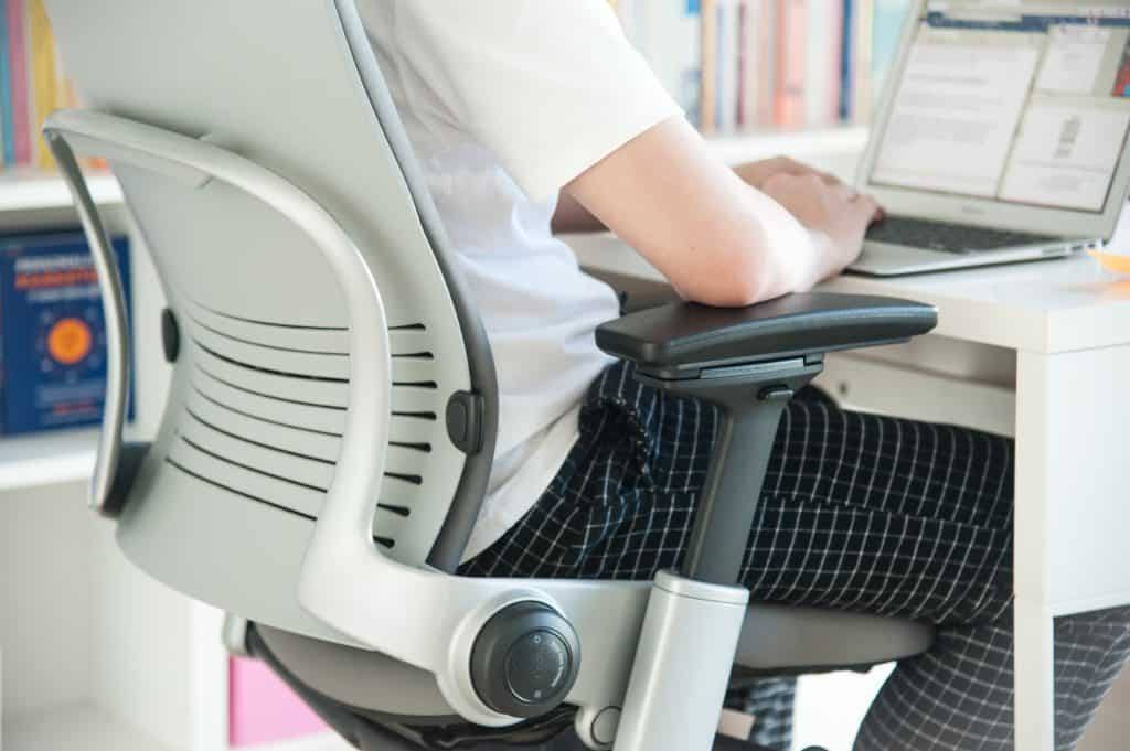 Steelcase LEAP เก้าอี้ทำงานไม่ปวดหลัง Work From Home