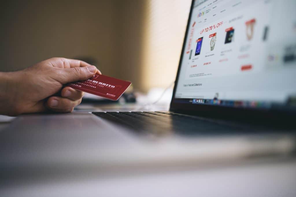 แนะนำ 5 แนวทางสำหรับ SME ไทยในการใช้ Digital Marketing เพื่อเอาตัวรอดในช่วงวิกฤติ COVID19 โฟกัสกับ Data เริ่มทำ Personalization หมั่นทำ SEO เข้าหา Platform
