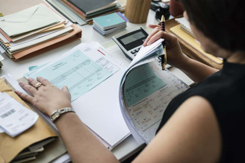 แนวทางการใช้ Data ในแบบ SME ที่เถ้าแก่ต้องเรียนรู้กับความแตกต่างระหว่างระบบ Boss System ที่เถ้าแก่เป็นใหญ่กับ Data System ที่ใช้ Data-Driven Decision