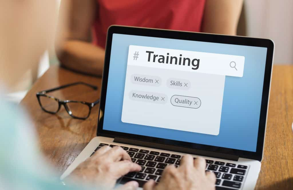 การทำ Keyword Research สำคัญต่อธุรกิจ SME กว่าที่คิดเพราะคนไทย 94% ใช้สมาร์ทโฟน พร้อมแนะนำตัวอย่างเครื่องมือในการทำ Keyword Research เบื้องต้น