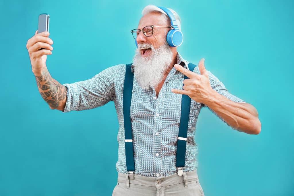 13 สุดยอด Elder Influencer ในวัย 60+ แม้จะเป็น Baby Boomer แต่ก็สามารถเป็นแรงบันดาลใจให้คนทุก Gen ได้ แก่แต่ยังมีไฟ Young at Heart