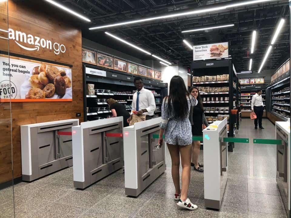 เทคโนโลยี Just Walk Out ร้าน Amazon Go